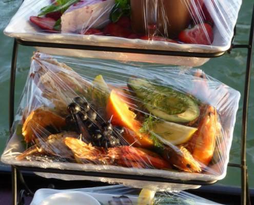 food served island gondola